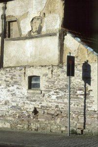 Gebäude aus Bunten Schiefern