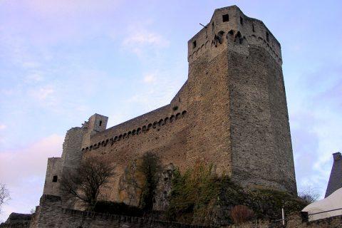 Wird Burg Hohenstein zum neuen Taunus-Informationszentrum oder gar zum Kompetenzzentrum für Tourismus im Taunus werden?
