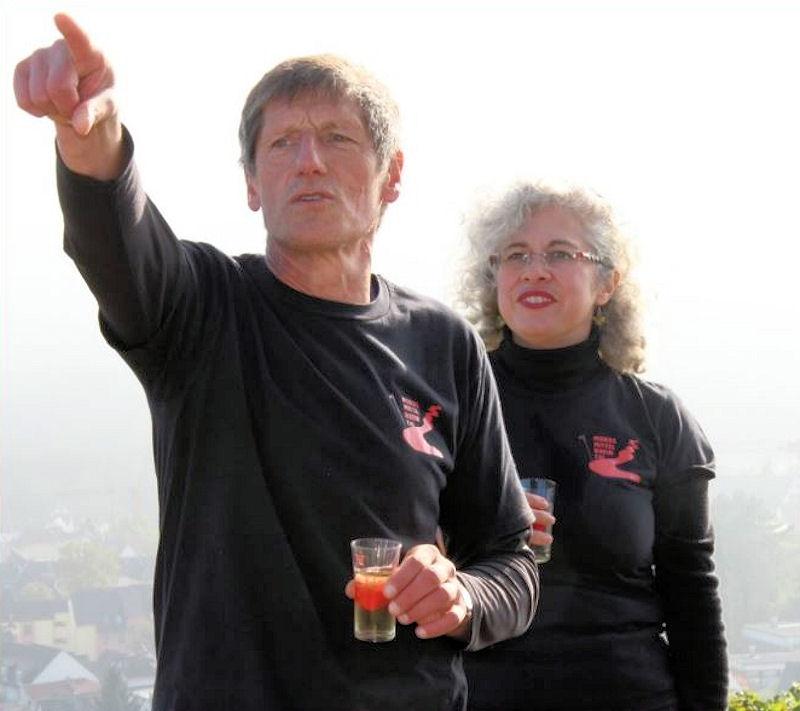 Wanderung Auf Dem Höhenweg Und Durchs: Mords-Wanderung Mit Leila Emami