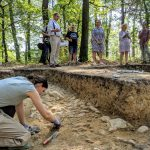 Hofheim am Taunus – Kapellenberg: Seltenes jungsteinzeitliches Grubenhaus entdeckt